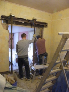 Opening from dining room into the kitchen