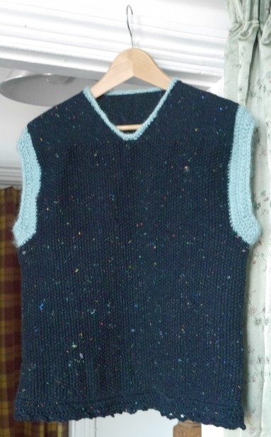 sleeveless-knitted-top